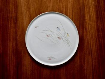Patera, duży talerz porcelanowy vintage z motywem kwiatowym.