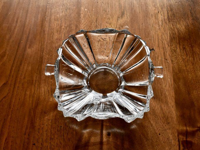 Vintage naczynia jak ta miseczka są doskonałym dodatkiem do wnętrz