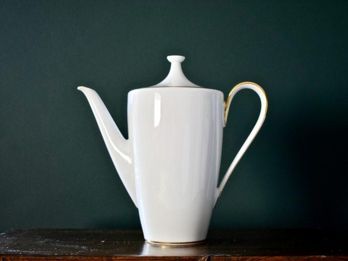 wysoki dzbanek do herbaty vintage porcelana ze złoceniami