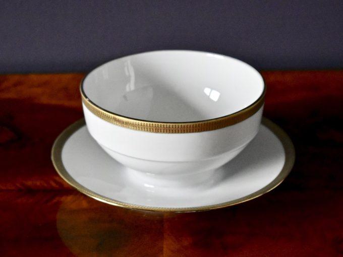Retro porcelanowa bulionówka ze złotą bordiurą