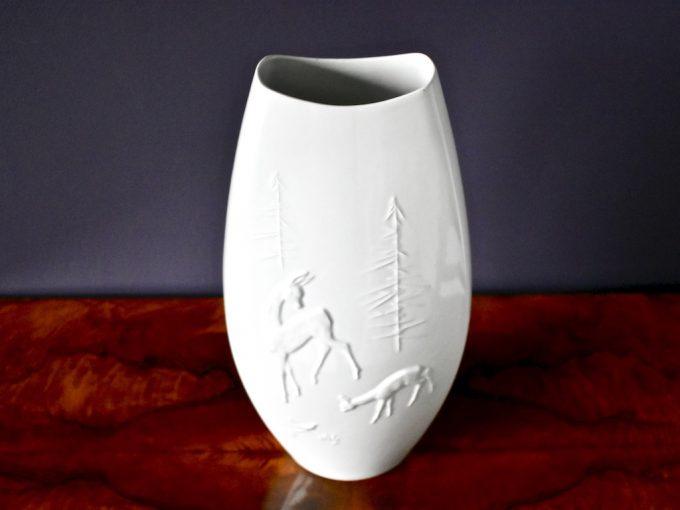 Porcelanowy wysoki wazon bardzo dekoracyjny z motywem leśnym