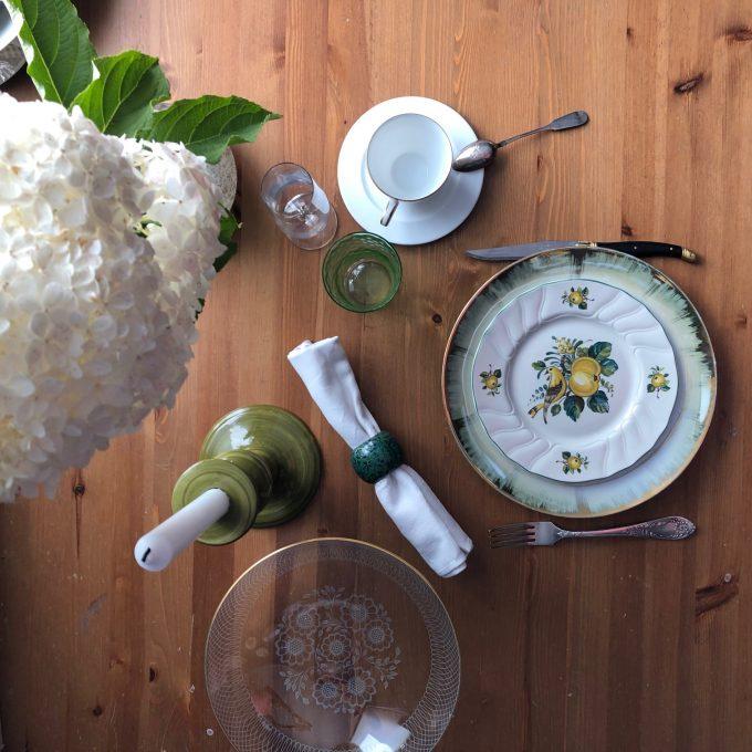 naczynia vintage porcelana stół jadalnia kuchnia