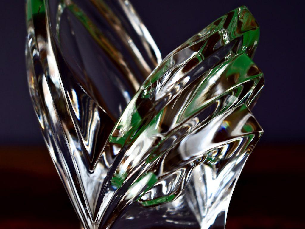 czym się różni kryształ od szkła
