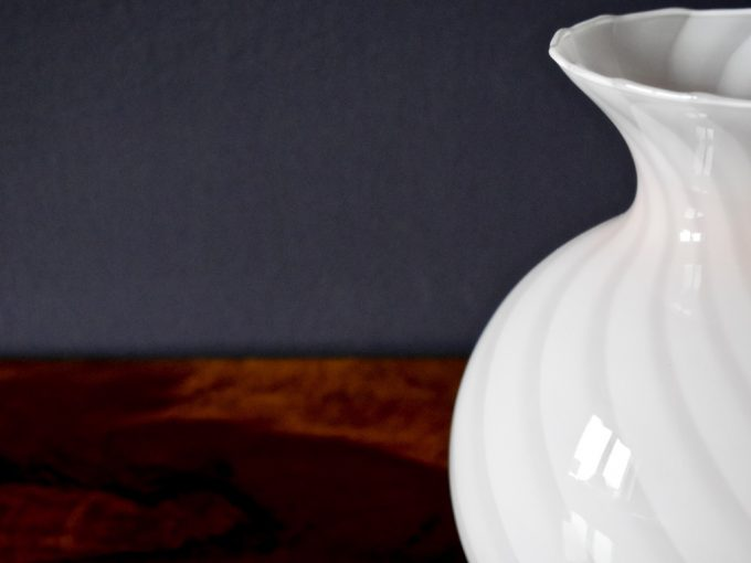 dekoracyjny różowy wazon szklany