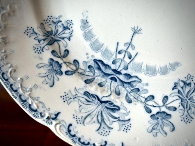 Komplet starych francuskich talerzy fajansowych
