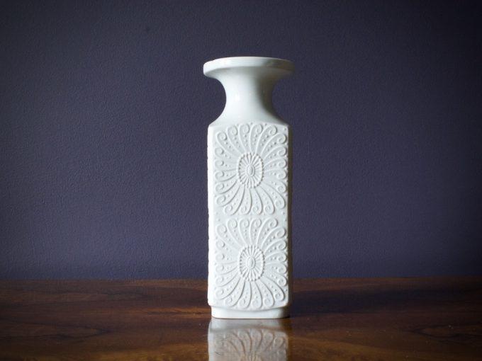 Biskwitowy wazon dekoracyjny