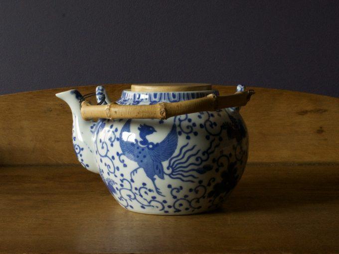 porcelanowy imbryk do zaparzania herbaty