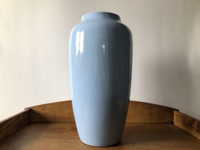 duży wazon ceramiczny niebieski