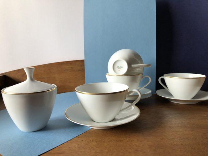 porcelanowy serwis kawowy