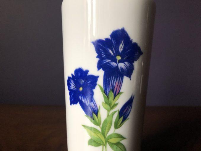 dekoracyjny wazon porcelanowy
