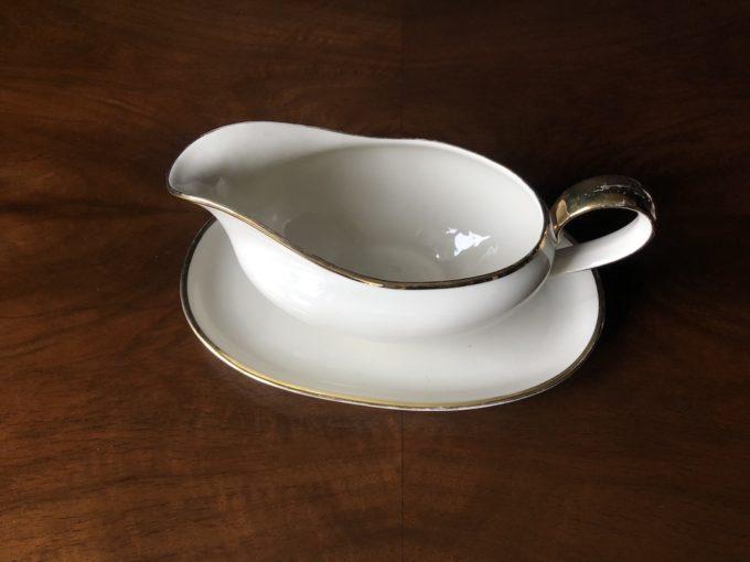 porcelanowa sosjerka