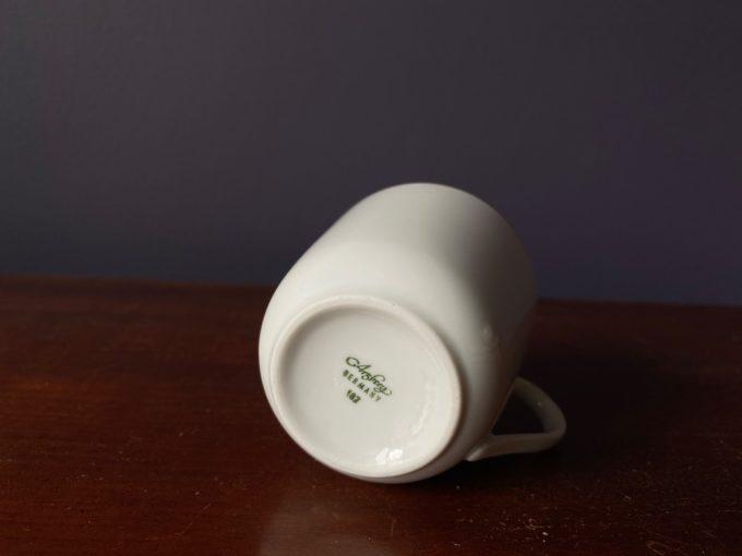 świeca sojowa w porcelanowej filiżance