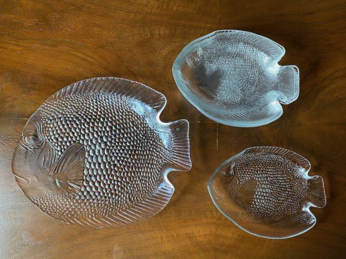 komplet szklanych talerzyków i półmisek w kształcie ryby