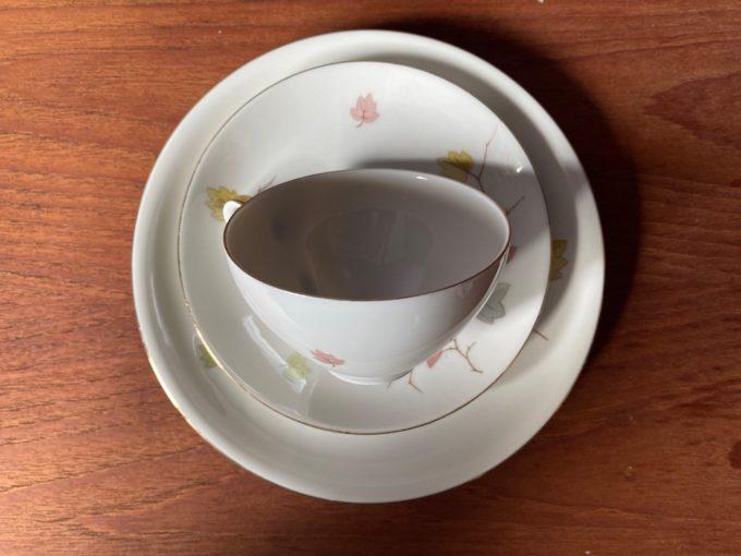 porcelanowe trio śniadaniowe