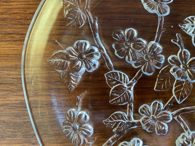 szklany talerz dekoracyjny
